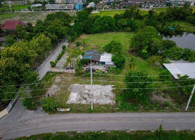 ที่ดินค้าขายบ้านบึง ที่ดินจัดสรรบ้านบึง ที่ดินทำเลค้าขายใกล้ตลาดบ้านบึง
